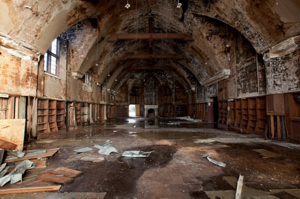 Abandoned Mark Twain Library in Detroit